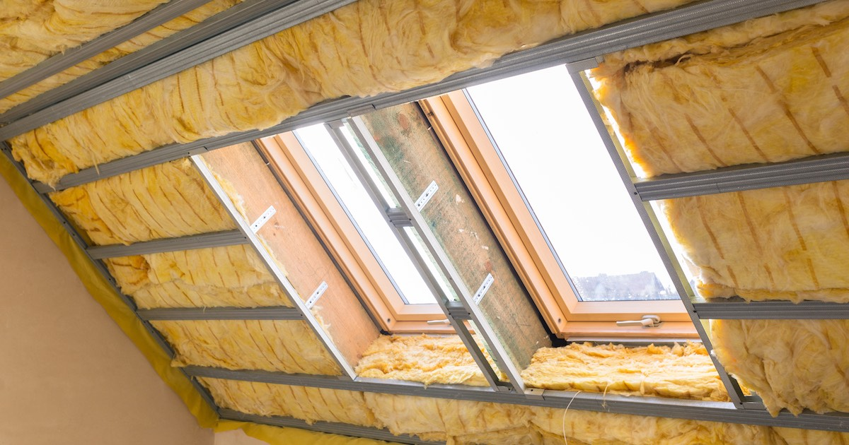 Vanaf eind 2015worden nieuwe eisen gesteld aan de isolatiewaarden bij renovatie of vervanging van vloeren, gevels, daken en kozijnen. Lees er alles over.